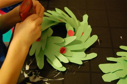 Hand Y Paper Plate Wreath Christmas Craft